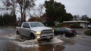 Στο έλεος σφοδρών πλημμυρών η βόρεια Καλιφόρνια (video)
