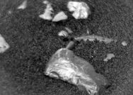 Μια μυστηριώδη πέτρα εντόπισε το ρόβερ της NASA στον Άρη