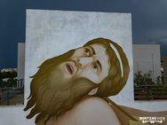 Ο Fikos μιλάει για την τέχνη και το mural που δημιούργησε στο κτίριο της ΠΔΕ, στην Πάτρα (video)