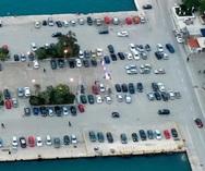 Ο Πατρινός είναι ο... παρκάρω παντού! - Ο μώλος έγινε πάρκινγκ