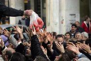 DW: Η κρίση αφήνει τους Έλληνες να πεινάνε και τα παιδιά υποσιτισμένα