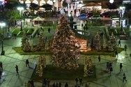 Πάτρα: Με Χριστουγεννιάτικες νότες 'πλημμύρισε' η Πλατεία Γεωργίου! (pics)