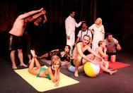 'Χριστούγεννα με... Μαγιώ στην Παραλία' στο Θέατρο Μπέλλος