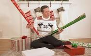 50 διαφορετικοί τρόποι για να τυλίξεις ένα χριστουγεννιάτικο δώρο (video)