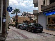 Πάτρα - Μα γιατί σε αυτή την πόλη οι πεζόδρομοι γίνονται... γκαράζ της γειτονιάς;