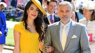 Πωλείται το διάσημο κίτρινο φόρεμα της Αμάλ Αλαμουντίν