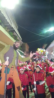 Ο Άγιος Βασίλης έστησε ένα μοναδικό και μαγικό εργαστήρι στον πεζόδρομο της Ακράτας (pics)