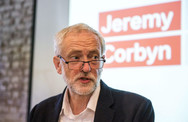 Κόρμπιν: 'Το θέμα είναι το πότε, όχι το εάν θα κατατεθεί πρόταση δυσπιστίας εναντίον της Μέι'