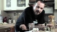 Δημήτρης Σκαρμούτσος: 'Μου έχουν πει ότι το φαγητό μου είναι για τα σκουπίδια'