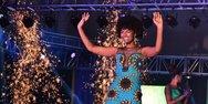 Πήραν φωτιά τα μαλλιά της νικήτριας του διαγωνισμού Μις Αφρική (video)