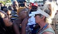 Κέιπ Τάουν - Αφρικανοί καταγγέλλουν ότι τους διώχνουν από παραλία (φωτο)