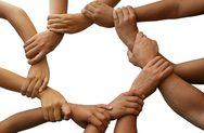 Η ομάδα των '5 ευρώ' της Πάτρας που ολοένα μεγαλώνει - Αγκαλιάζει 70 οικογένειες