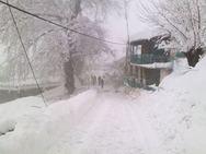 Καρπενήσι: 55χρονη κατέρρευσε στα χιόνια προσπαθώντας να απεγκλωβιστεί