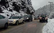 Αχαΐα: Καραμπόλα 20 οχημάτων στα Καλάβρυτα (φωτο)