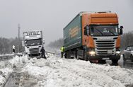 Δραματική η κατάσταση από το φονικό χιονιά σε Βαυαρία και Αυστρία (video)