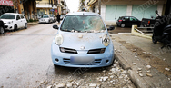 Πύργος: Τμήμα μπαλκονιού πολυκατοικίας έπεσε πάνω σε αυτοκίνητο (φωτο)