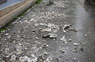 Πάτρα: Έπεσαν σοβάδες στη συμβολή των οδών Κορίνθου και Στρατοκλέους