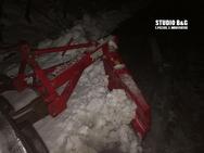 Αργολίδα: Ολονύχτια μάχη με τα χιόνια για να αποκατασταθεί η ηλεκτροδότηση
