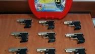 Σύλληψη άντρα για μεταφορά πιστολιών κρότου-αερίου