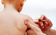 Γιατί πρέπει να γίνονται στην ώρα τους τα παιδικά εμβόλια;