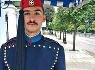 Κωνσταντίνος Κούρτης - Ο Πατρινός Εύζωνος της Προεδρικής Φρουράς