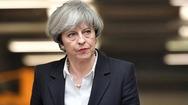 Η Τερέζα Μέι ανησυχεί για «συνωμοσίες» βουλευτών