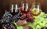 Το λίγο αλκοόλ είναι πιο ωφέλιμο από το καθόλου