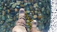 Περπάτησε στην παγωμένη λίμνη Βαϊκάλη (video)
