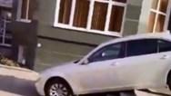 Απέλπιδες προσπάθειες οδηγών να παρκάρουν το αυτοκίνητό τους (video)