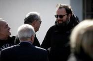 Γιώργος Λάνθιμος - Στην Ελλάδα για την κηδεία του πατέρα του (φωτο)