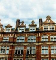 Ο Πατρινός που από το σπίτι του έχει θέα όλο το Λονδίνο!