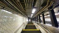 Νέα Υόρκη: Έχασε τη ζωή της στις σκάλες του μετρό, μεταφέροντας το καροτσάκι με το μωρό της