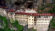 Κατασκευάζουν τελεφερίκ στο ιστορικό μοναστήρι της Παναγίας Σουμελά