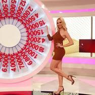 Η Πατρινή Τζούλια Κόλλια στο 'Night Show' του νέου 'Έψιλον'