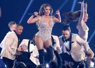 Η εντυπωσιακή εμφάνιση της Jennifer Lopez στα Grammy (video)