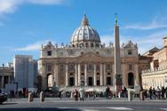 Το Βατικανό αποσχημάτισε πρώην καρδινάλιο για πρώτη φορά