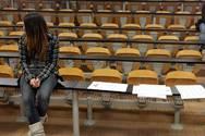 Πάτρα: Και οι φοιτητές έχουν... φιλότιμο - Oι 'αιώνιοι', στην κρίση έγιναν πτυχιούχοι!