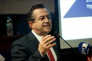 Ν. Νικολόπουλος: 'Στη χωματερή, μήπως και… στις λαϊκές(;), η ιματιοθήκη του Δήμου Πατρέων'