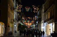 Ανάβει ο Καρναβαλικός διάκοσμος στους δρόμους της Πάτρας!