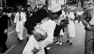 Πέθανε ο ναύτης του «φιλιού της Τάιμς Σκουέρ»