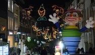Η Πάτρα 'φόρεσε' τα Καρναβαλικά της και οι νύχτες γεμίζουν με φως! (φωτο)