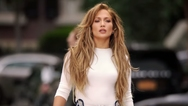 H Jennifer Lopez μαθαίνει pole dancing! (video)