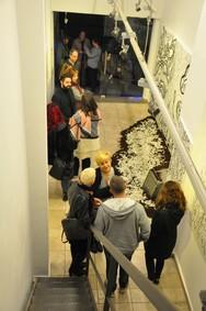 """Πάτρα - Μεγάλο ενδιαφέρον για την έκθεση του Ν. Παναγιωτόπουλου """"Hunters: Feathers in the Wind""""!"""