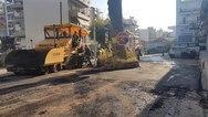 Πάτρα: 4,5 χρόνια για να ρίξουν λίγο πίσσα στον δρόμο της κουκουναριάς