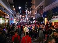 Έγινε του... υπαίθριου πάρτι στην καρναβαλική Πάτρα - Έβγαλαν όλη τη νύχτα έξω (pics+vids)