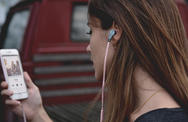 Πάνω από ένα δισ. άνθρωποι κινδυνεύουν να χάσουν την ακοή τους