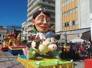 Σε εξέλιξη η μεγάλη παρέλαση του Πατρινού Καρναβαλιού! - Δείτε φωτογραφίες