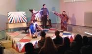 Το θεατρικό έργο 'ΜΑΜ' παρουσιάστηκε στο αμφιθέατρο του ΔΙΕΚ Πάτρας (pics)