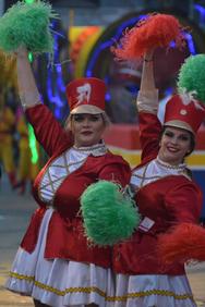 Υπέροχες οι μαζορέτες του Πατρινού Καρναβαλιού 2019 (pics)