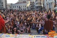 Τα 'παιδιά των λουλουδιών' βγήκαν στους δρόμους της Πάτρας και καρναβαλίστηκαν (pics)